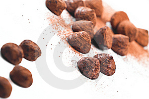 Chocolate Truffles And Cocoa Powder Royalty Free Stock Images - Image: 17864729