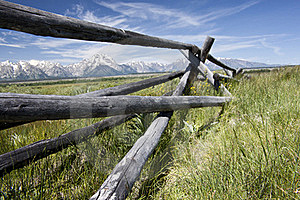 Wood Fence Frames Tetons. Stock Images - Image: 17874504