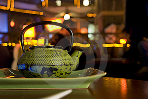 Green Cast-iron Teapot Stock Image - Image: 17896641