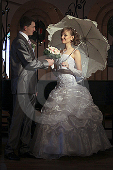 Happy Newly-married Couple Royalty Free Stock Images - Image: 17904599