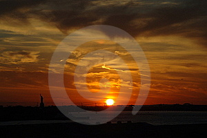 Sunset On New York Harbor Royalty Free Stock Photos - Image: 17950698