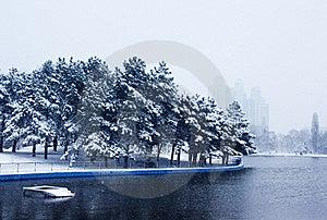 Snowy Park Royalty Free Stock Photo - Image: 17977745