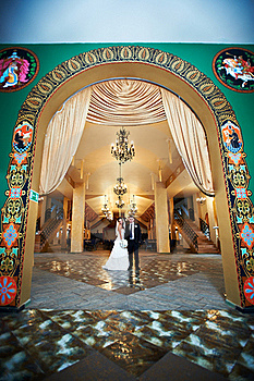 Bride And Groom In Beautiful Interiors Royalty Free Stock Image - Image: 17999496