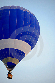 Blue Hot Air Balloon. Royalty Free Stock Photography - Image: 18014917