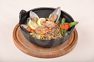 Fine Dining Meal, Shrimps, Mussels, Squids 2 Stock Images - Image: 18028034