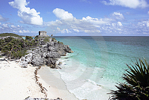 Ruins At Tulum With Beach Royalty Free Stock Image - Image: 18057396