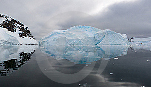 Iceberg Reflection Stock Image - Image: 18090601