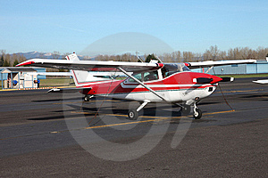 Single Engine Aircraft. Stock Photo - Image: 18354070