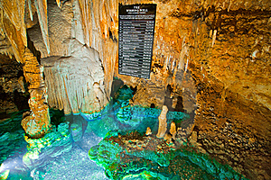 Luray Caves Cavern Wishing Well Royalty Free Stock Image - Image: 18354086