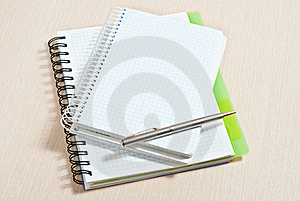 Note Pad And Silver Pen Royalty Free Stock Images - Image: 18374299