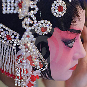 A Chinese Opera Actress Is Painting Her Face Royalty Free Stock Photo - Image: 18387615
