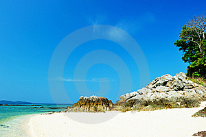 Beautiful Beach With Crystal Clear Blue Waters Stock Photography - Image: 18417932