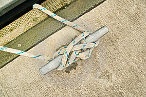 Rope Tied In Cleat Hitch Royalty Free Stock Photo - Image: 18427085