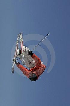 卡车司机倒置滑雪者 库存照片 - 图片: 1866373