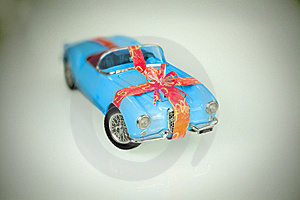 Historic Car - Present Royalty Free Stock Images - Image: 18625479