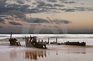 Shipwreck Sunrise Stock Images - Image: 18649454