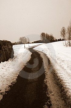 MONOCHROME ROAD Royalty Free Stock Images - Image: 18710609