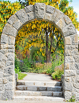 Stone Archway In Garden Stock Images - Image: 18753364