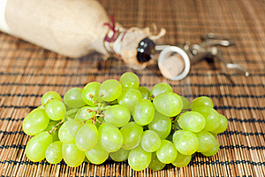 Wine - From Grapes To Bottle Royalty Free Stock Photography - Image: 18756537
