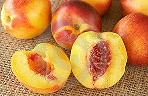 Bunch Of Ripe Nectarine Peaches Stock Photos - Image: 18784633