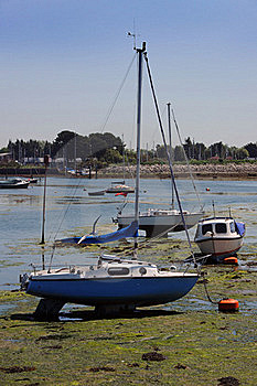 Yachts On The Mud At Low Tide. Stock Photo - Image: 18873830