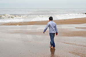 Boy On Beach Royalty Free Stock Photos - Image: 18923388