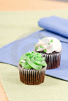 Green Frosted Cupcake Snack Royalty Free Stock Images - Image: 18969529
