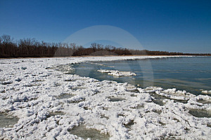 Thawing Shore Royalty Free Stock Image - Image: 18973316