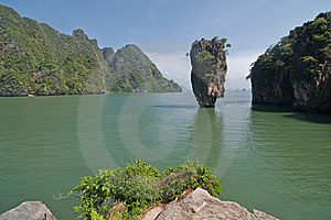 Koh Tabu, Or James Bond Island. Stock Image - Image: 18975051