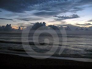 Tidig sortsoluppgång Fotografering för Bildbyråer