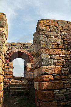 Roman Ruins - Gate Stock Images - Image: 19005764