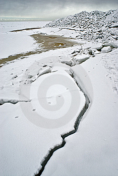 Ice At The Sea Coast Stock Images - Image: 19113754