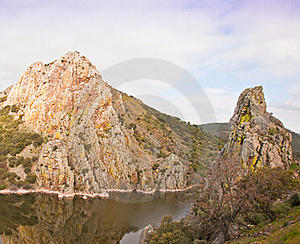 The Cliffs Of Monfragüe Royalty Free Stock Photos - Image: 19158378