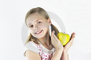 Yellow Apple 1 Royalty Free Stock Images - Image: 19215119