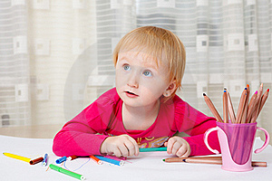 Kid Drawing Picture Royalty Free Stock Photo - Image: 19219435