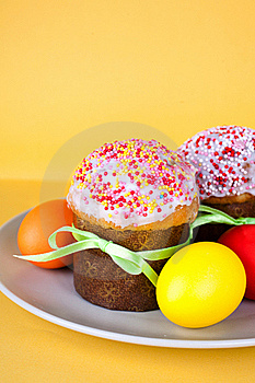 Easter Cakes And Eggs Stock Photos - Image: 19250313