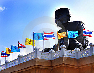 The Thai Biggest Buddha Image In The World Royalty Free Stock Images - Image: 19271769