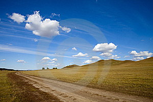 Meadow Meets Sky Royalty Free Stock Images - Image: 19318939