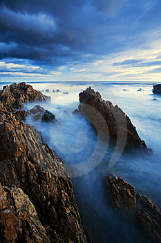 Misty Ocean Royalty Free Stock Images - Image: 19340239