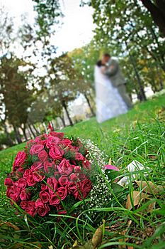Wedding Bouquet Lying On A Green Grass Stock Images - Image: 19413014