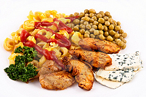 Meal With Chicken And Pasta With Veggies Royalty Free Stock Photography - Image: 19457267
