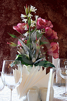 Flowers At Table Royalty Free Stock Photos - Image: 19462498