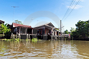 Thai House Riverside Stock Photo - Image: 19484430
