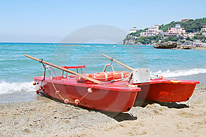 Rescue Boat Royalty Free Stock Images - Image: 19531249