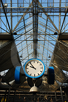 Train-station Clock Stock Photos - Image: 1967823
