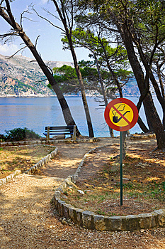Sign No Smoking In Park Stock Image - Image: 19607771