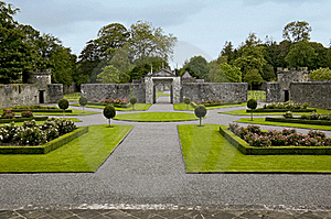 Portumna Castle Courtyard And Gates Stock Photography - Image: 19616162
