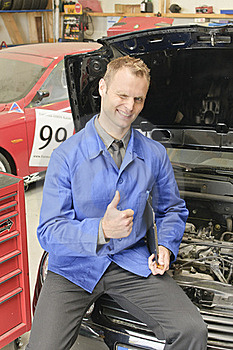 Car Masters, Check Everything Is OK Stock Images - Image: 19736604