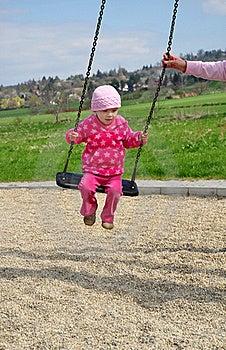 Gioco Da Bambini Dell'oscillazione Fotografie Stock Libere da Diritti - Immagine: 19736918