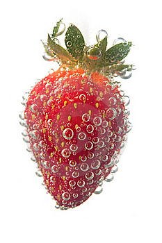 Strawberrie In Water Bubble Royalty Free Stock Image - Image: 19793016